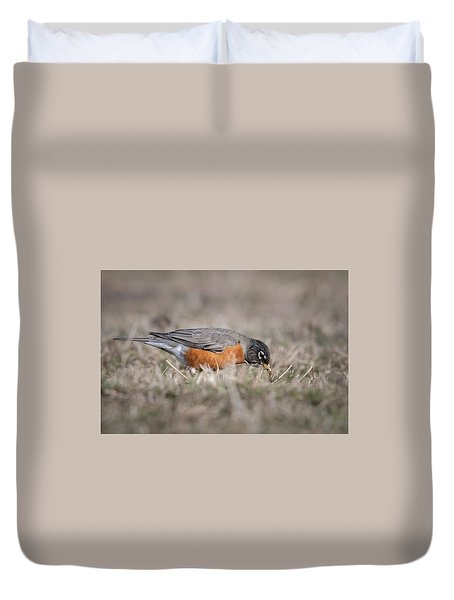 Duvet Cover featuring the photograph Robin Pulling Worm by Tyson Smith
