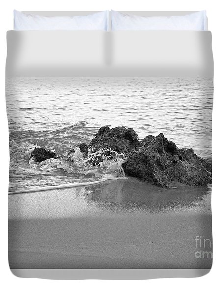 Rock And Waves In Albandeira Beach. Monochrome Duvet Cover
