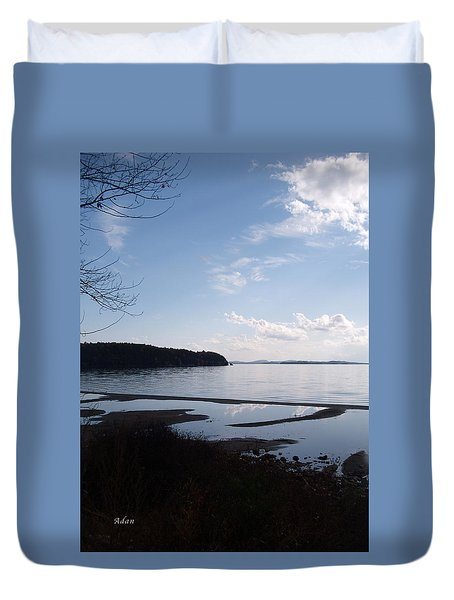 Duvet Cover featuring the photograph Rock Point North View Vertical by Felipe Adan Lerma