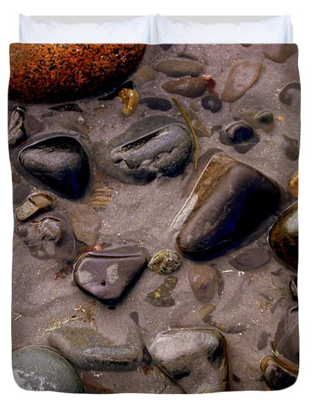 Rocks In Tide Pool Duvet Cover