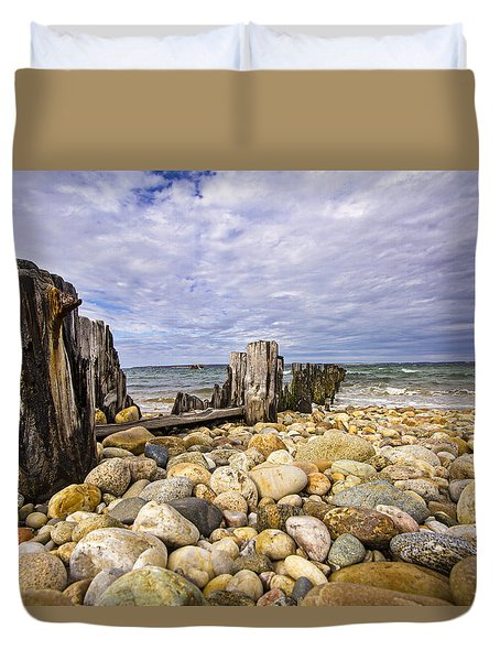 Rocky Beach In Springs Ny Duvet Cover
