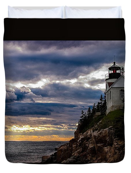 Duvet Cover featuring the photograph Rocky Cliffs Below Maine Lighthouse by Jeff Folger