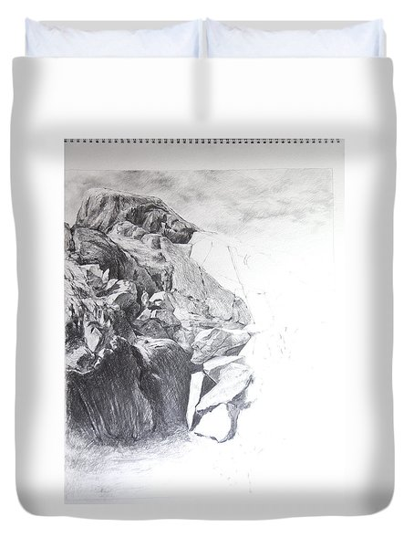 Rocky Outcrop In Snowdonia. Duvet Cover by Harry Robertson