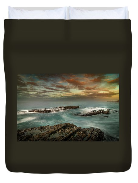 Rocky Shores At Victoria Beach Duvet Cover