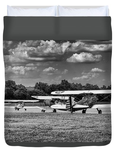 Duvet Cover featuring the photograph Roll Out  For Take Off by Alan Raasch
