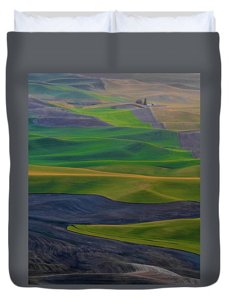 Rolling Fields Of The Palouse Duvet Cover by James Hammond