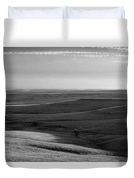 Rolling Hills Duvet Cover by Thomas Bomstad