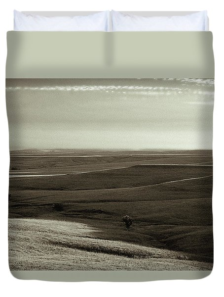 Rolling Hills Toned Duvet Cover by Thomas Bomstad