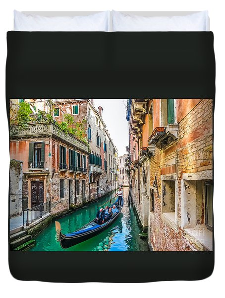 Romantic Gondola Scene On Canal In Venice Duvet Cover