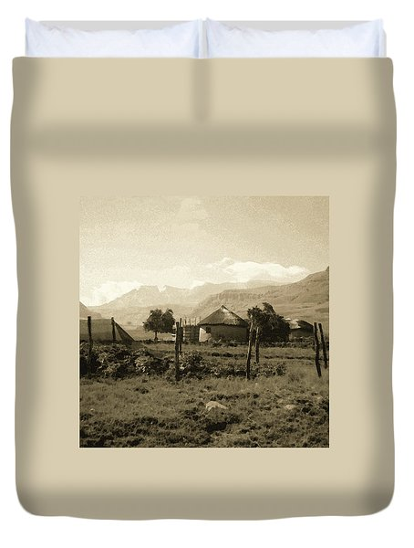 Rondavel In The Drakensburg Duvet Cover