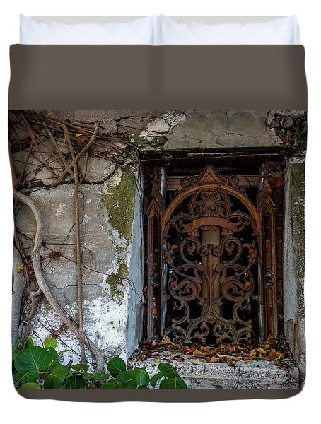 Roots And Rust Duvet Cover