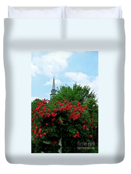Roses On The Fence In Mauricetown Duvet Cover by Nancy Patterson