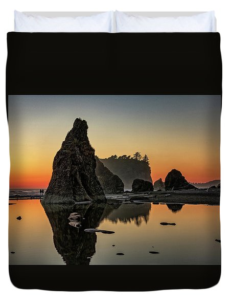 Ruby Beach At Sunset Duvet Cover