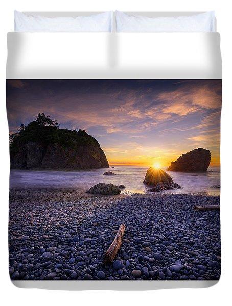 Duvet Cover featuring the photograph Ruby Beach Dreaming by Dan Mihai