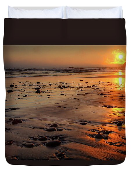 Duvet Cover featuring the photograph Ruby Beach Sunset by David Chandler