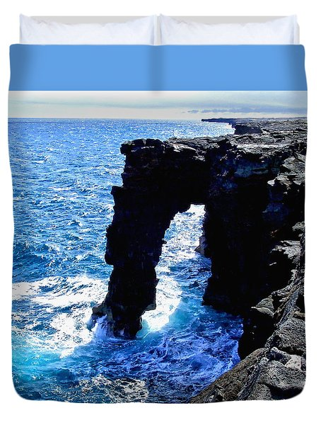 Duvet Cover featuring the photograph Rugged Kona Sea Arch by Amy McDaniel