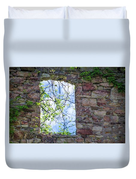 Duvet Cover featuring the photograph Ruin Of A Window - Bridgetown Millhouse  Bucks County Pa by Bill Cannon
