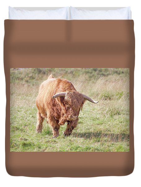 Duvet Cover featuring the photograph Run by Roy McPeak