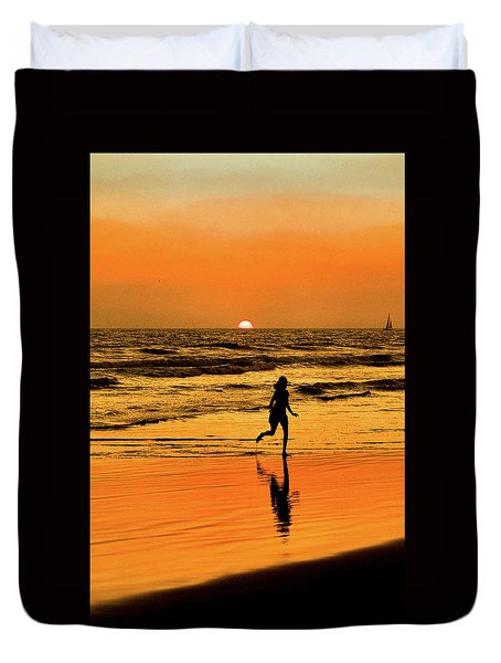 Run To The Sun Duvet Cover
