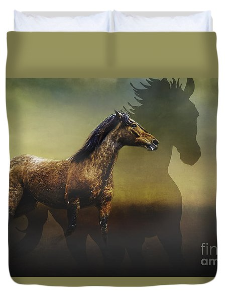 Duvet Cover featuring the photograph Running Free by Eleanor Abramson