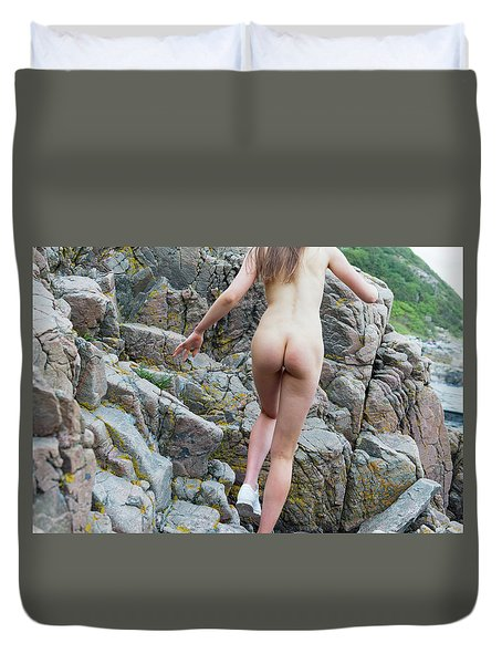 Running Nude Girl On Rocks Duvet Cover