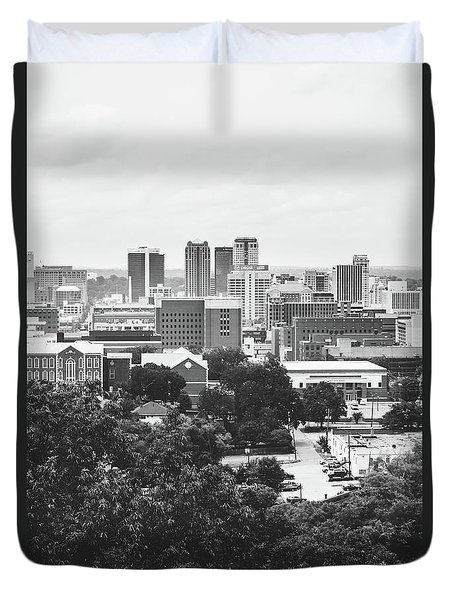 Duvet Cover featuring the photograph Rural Scenes In The Magic City by Shelby Young