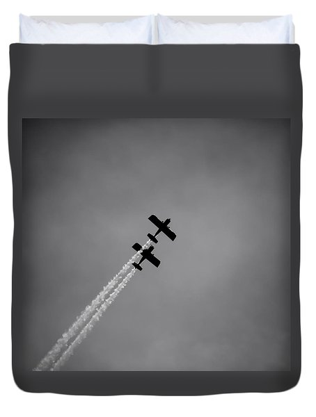 Duvet Cover featuring the photograph Rv8tors Silhouette Sunderland Air Show 2014 by Scott Lyons