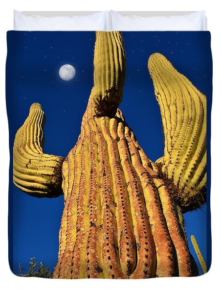 Saguaro Reaching To The Sky Duvet Cover by John Hoffman