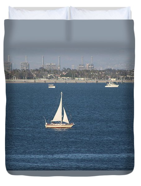 Sailboat On The Pacific In Long Beach Duvet Cover