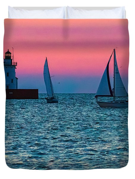 Sailing At The Cleveland Lighthouse  Duvet Cover