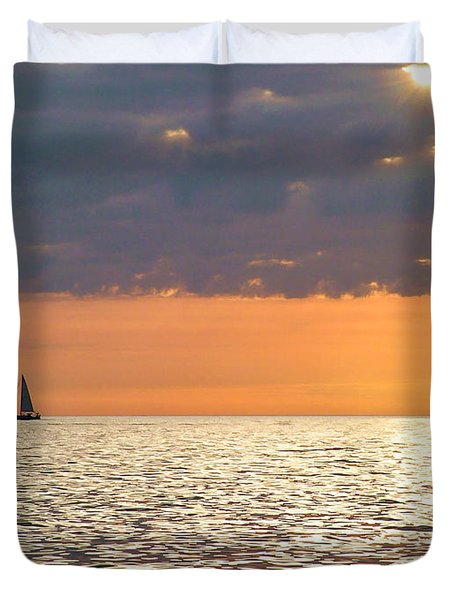 Sailing In The Sun Duvet Cover