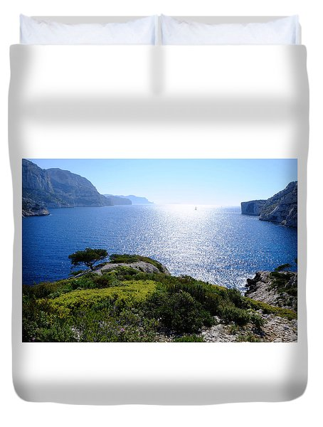 Sailing In The Vastness Duvet Cover