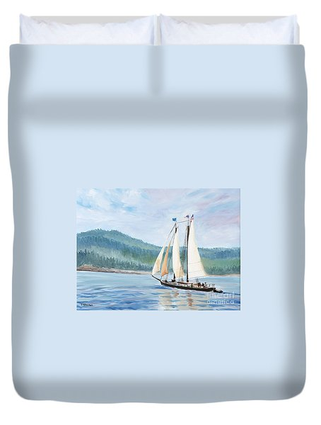 Sailing Into Castine Harbor Duvet Cover