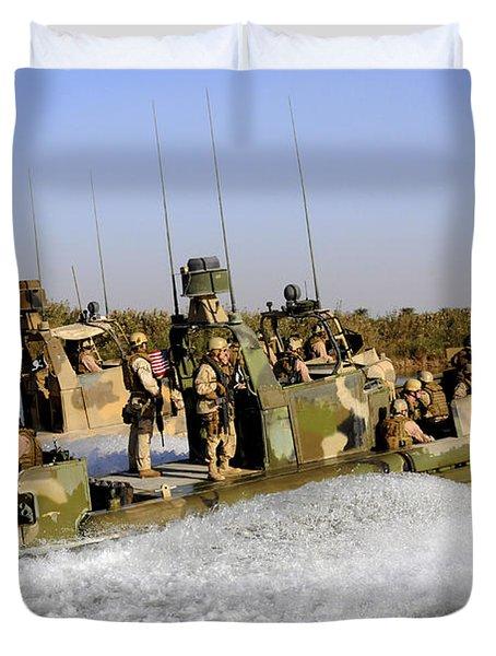 Sailors Racing Along The Euphrates Duvet Cover by Stocktrek Images