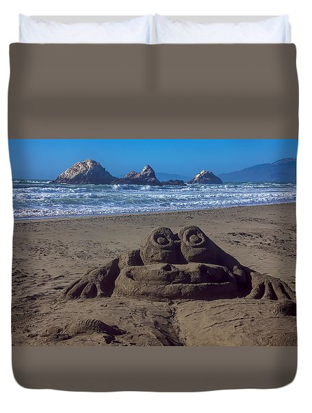 Sand Frog  Duvet Cover by Garry Gay