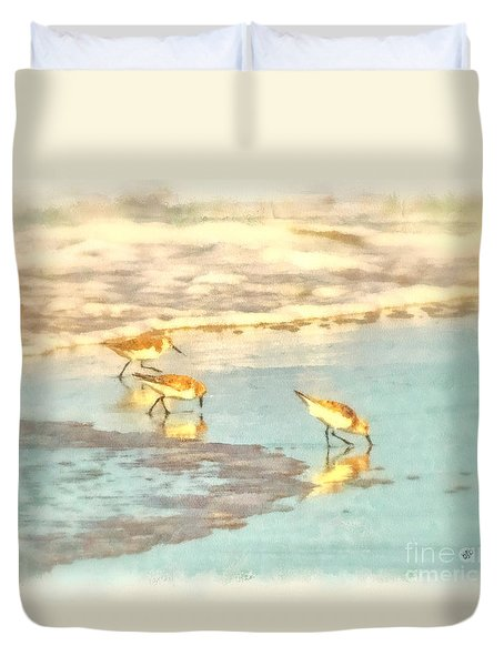 Sandpipers Along The Shoreline Duvet Cover