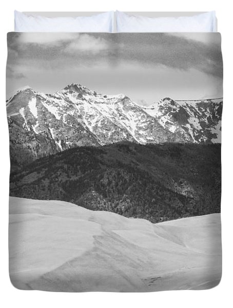 Sangre De Cristo Mountains And The Great Sand Dunes Bw Duvet Cover by James BO  Insogna