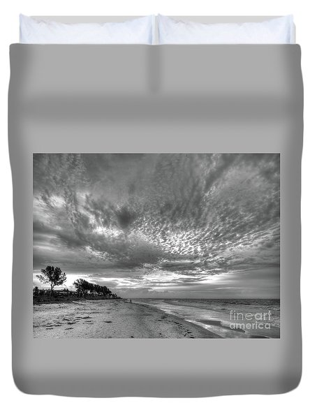 Sanibel Island Sunrise In Black And White Duvet Cover
