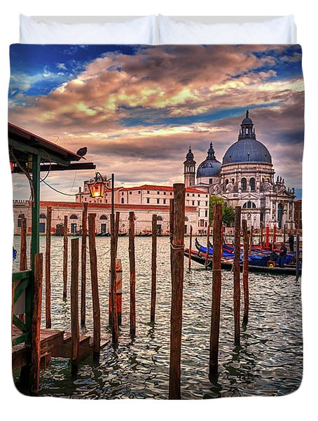 Santa Maria Della Salute From The Docks In Venice, Italy Duvet Cover