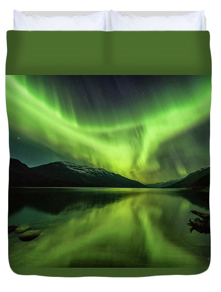 Duvet Cover featuring the photograph Santa's Wake by Russell Pugh