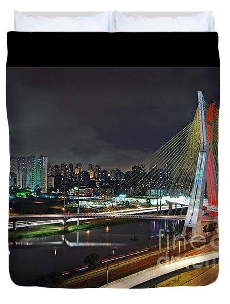 Sao Paulo Skyline - Ponte Estaiada Octavio Frias De Oliveira Wit Duvet Cover