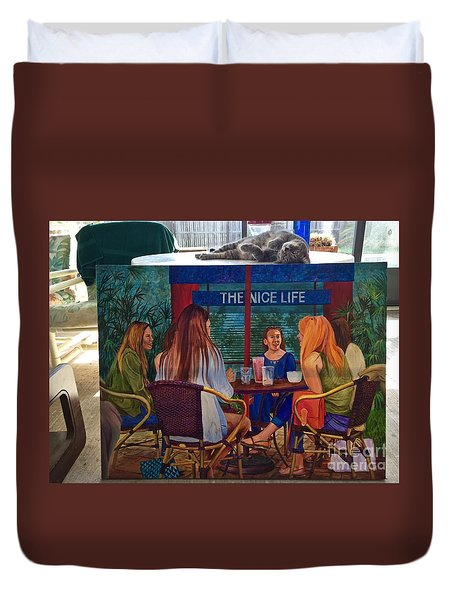 Saphira And The Nice Life Duvet Cover