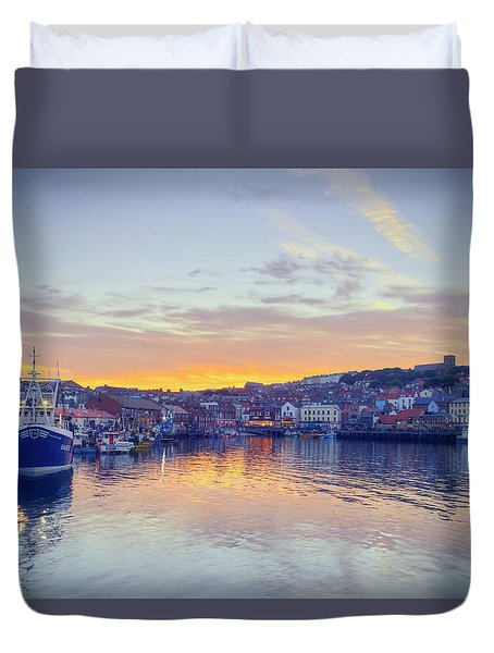 Scarborough Harbour At Sunset Duvet Cover by Ray Devlin