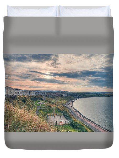 Duvet Cover featuring the photograph Scarborough North Bay by Ray Devlin