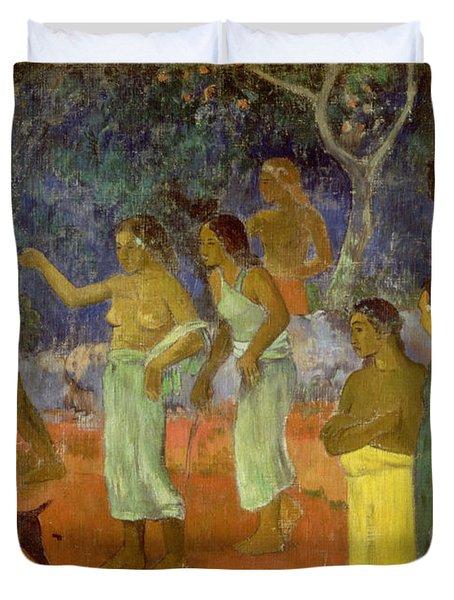 Scene From Tahitian Life Duvet Cover