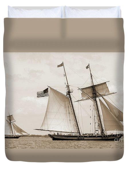 Schooners Pride Of Baltimore And Lynx Duvet Cover