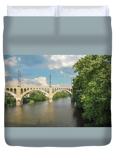 Schuylkill River At The Manayunk Bridge - Philadelphia Duvet Cover by Bill Cannon