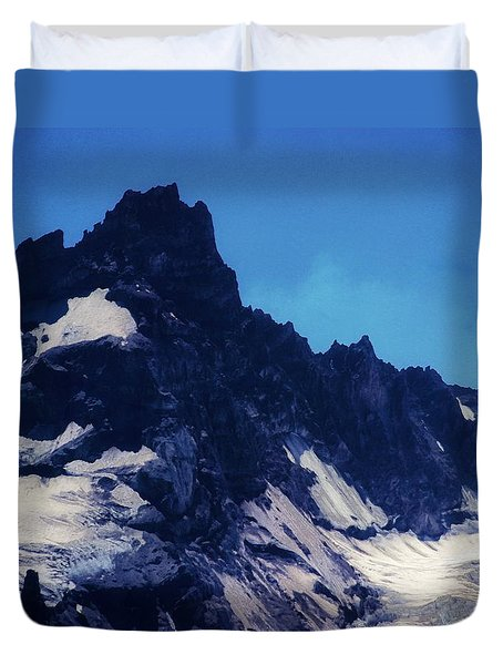 Duvet Cover featuring the photograph Screaming Yeti by Timothy Bulone
