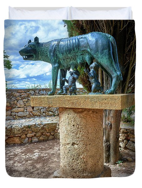 Duvet Cover featuring the photograph Sculpture Of The Capitoline Wolf With Romulus And Remus by Eduardo Jose Accorinti