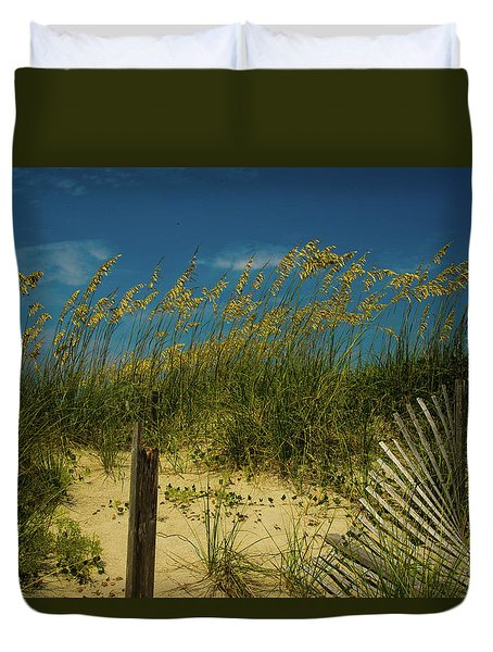 Duvet Cover featuring the photograph Sea Oats And Sand Fence by John Harding